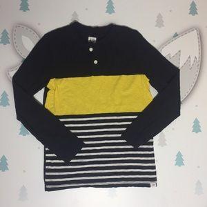 Gap boys long sleeve tee shirt